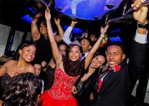 Hotlimos Prom Limo Kids Partying